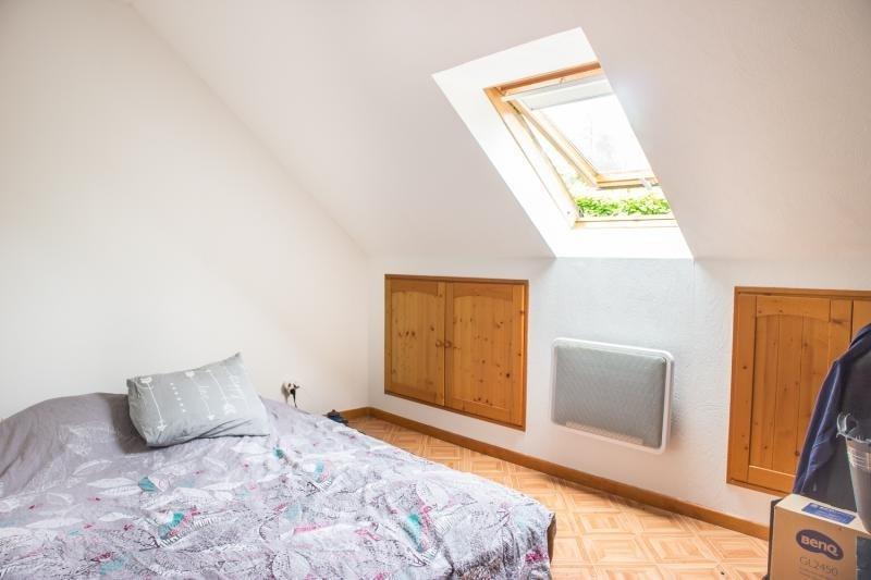 Sale house / villa Montfort l amaury 398000€ - Picture 7