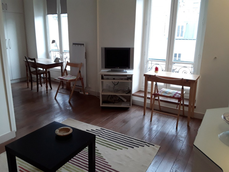 Rental apartment Paris 7ème 1350€ CC - Picture 2