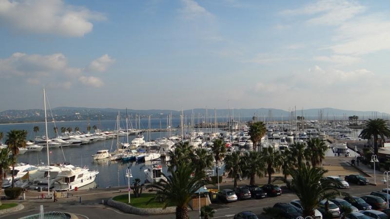 Vacation rental apartment Cavalaire sur mer 800€ - Picture 2