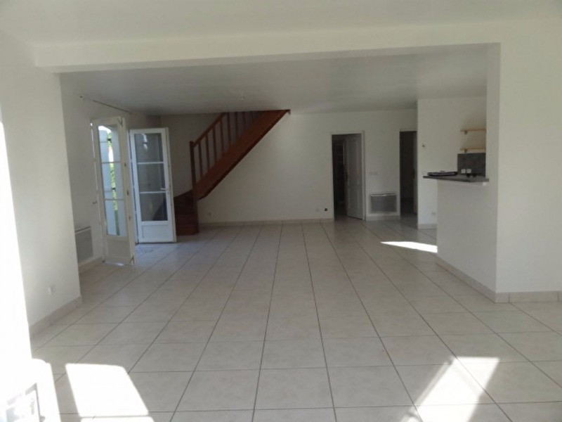Location maison / villa Chevillon sur huillard 850€ CC - Photo 6