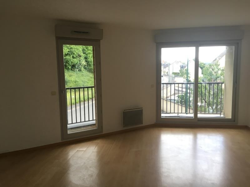Rental apartment Vendome 596€ CC - Picture 1