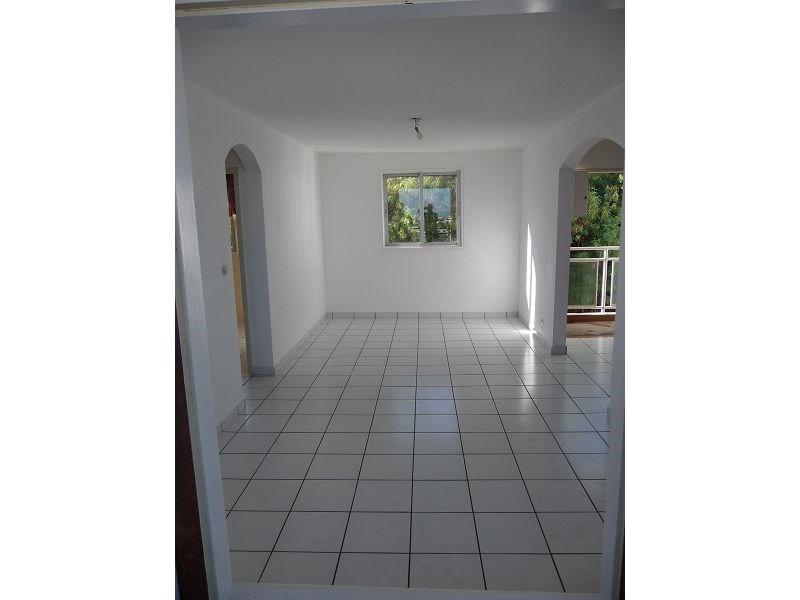 Location appartement La possession 655€ CC - Photo 3