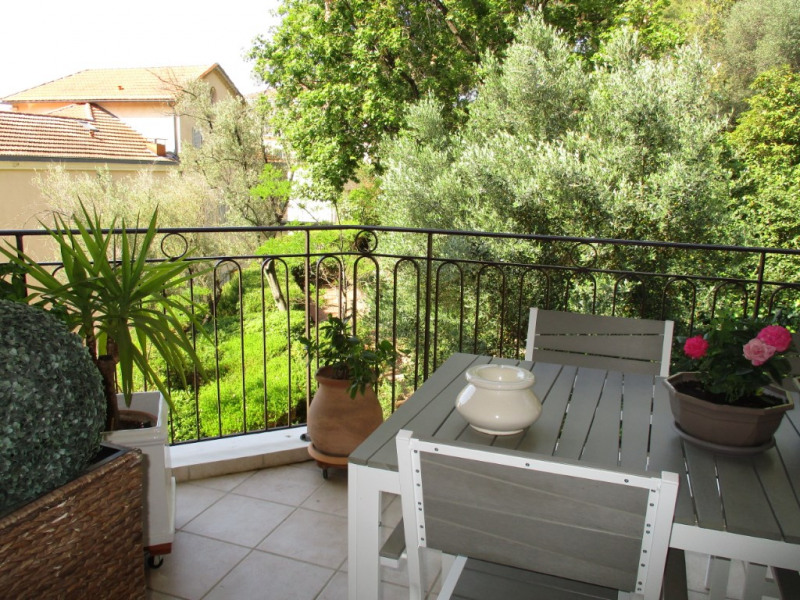 Vendita appartamento Hyeres 349650€ - Fotografia 10