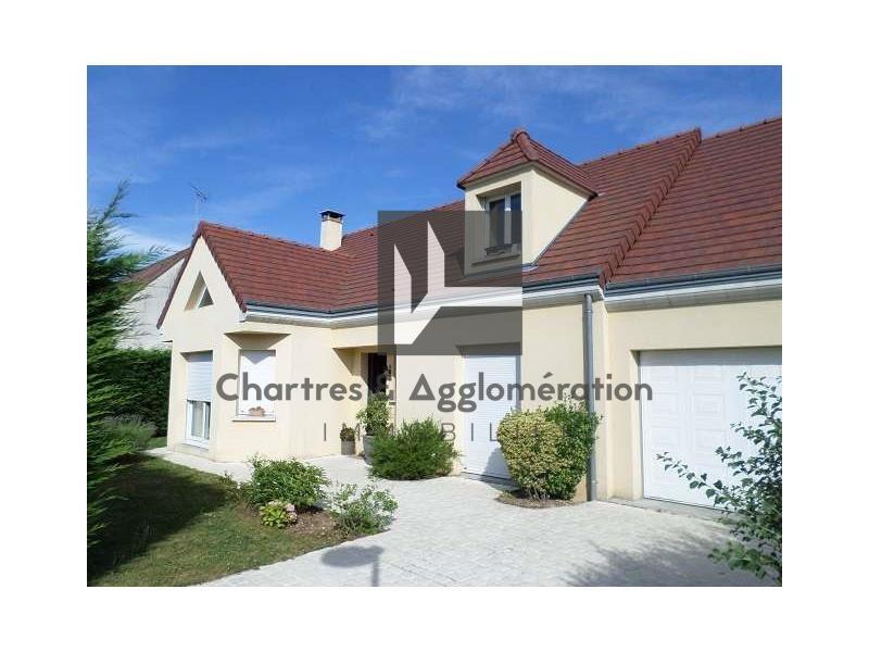 Sale house / villa Barjouville 349000€ - Picture 1