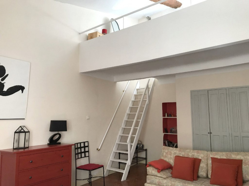Rental apartment Aix en provence 850€ CC - Picture 1