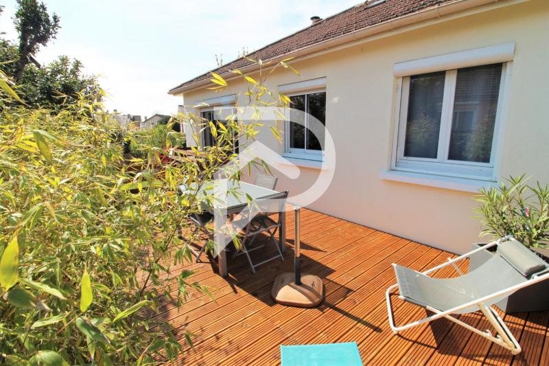 Sale house / villa Eaubonne 355000€ - Picture 1