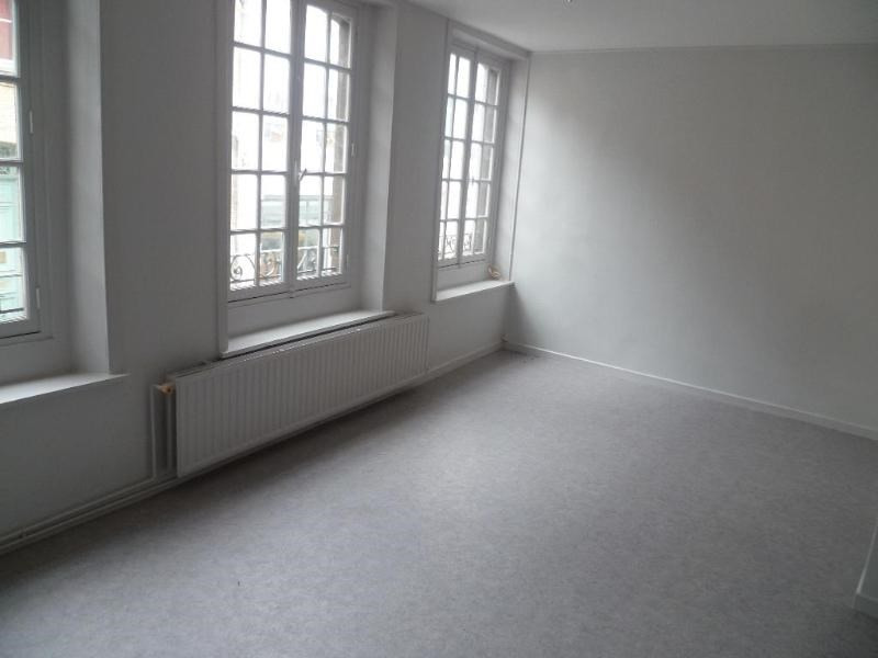 Location appartement Saint-omer 411€ CC - Photo 2