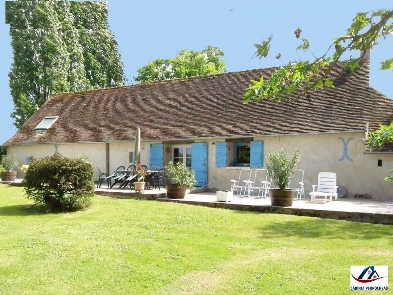 Sale house / villa La chartre sur le loir 160000€ - Picture 1