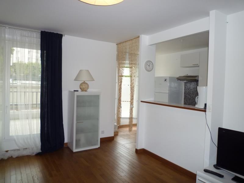 Rental apartment Le raincy 1240€ CC - Picture 3