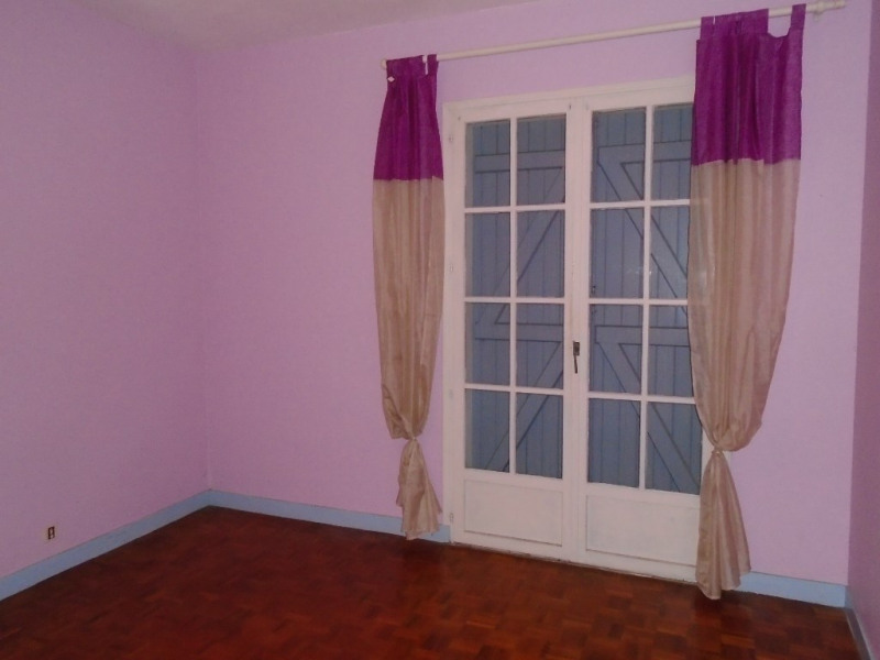 Sale house / villa Oloron sainte marie 153000€ - Picture 2