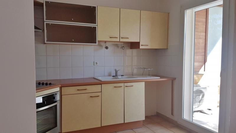 Location appartement Salon de provence 850€ CC - Photo 2