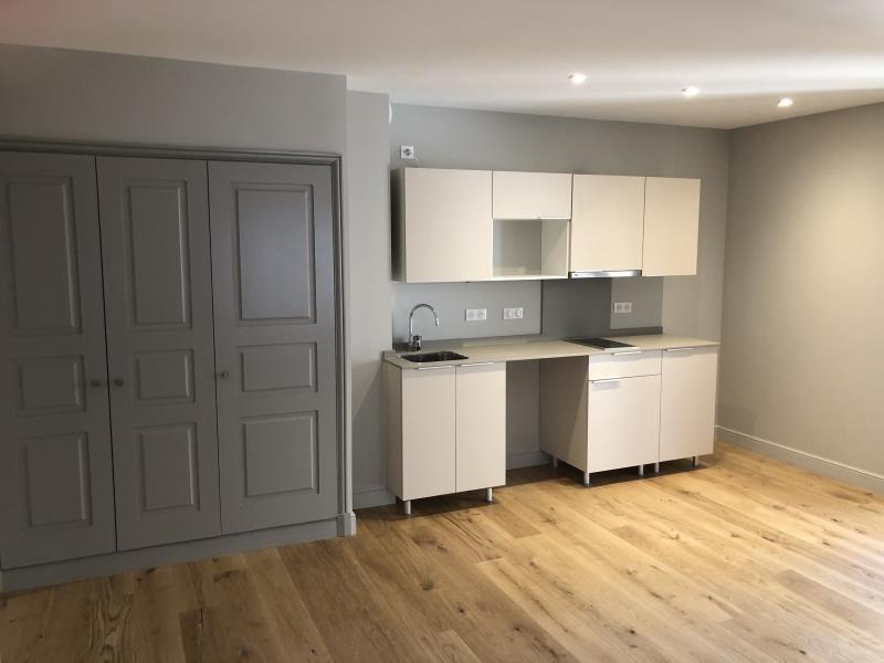 Rental apartment Nimes 540€ CC - Picture 3