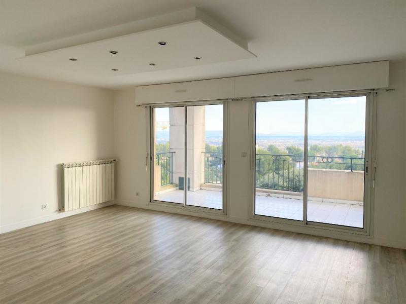 Location appartement Villeneuve les avignon 1090€ CC - Photo 2