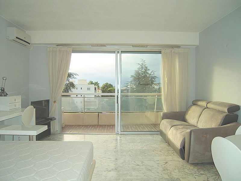 Sale apartment Nice 223 000€ - Picture 2
