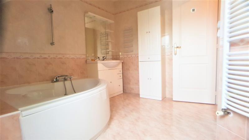 Sale house / villa Ormesson sur marne 460000€ - Picture 5