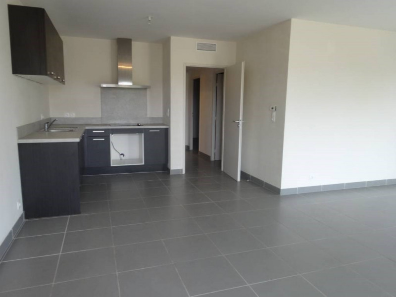 Rental apartment Montfavet 854€ CC - Picture 3