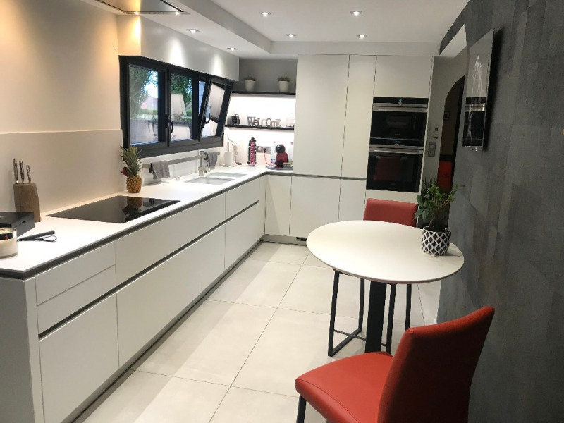 Deluxe sale house / villa Annoeullin 698000€ - Picture 4