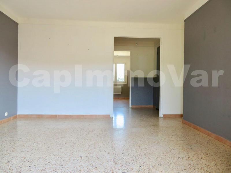 Rental apartment Le beausset 660€ CC - Picture 3
