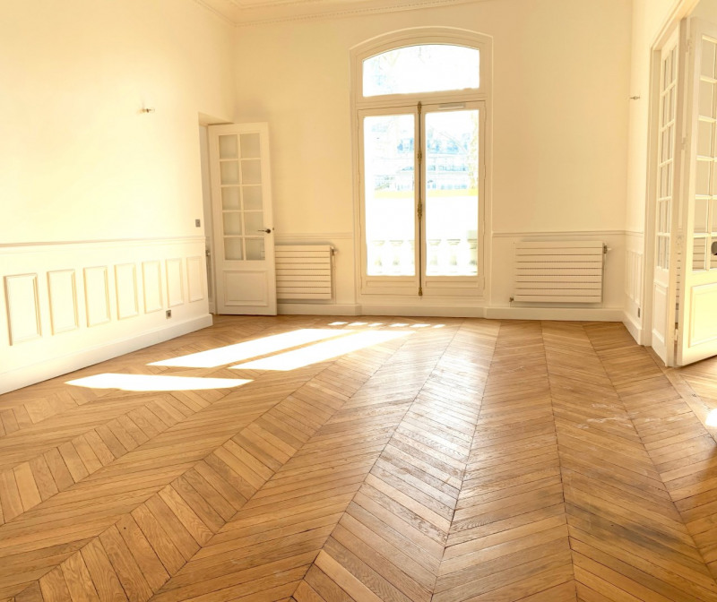 Rental apartment Paris 16ème 6 995€ CC - Picture 3