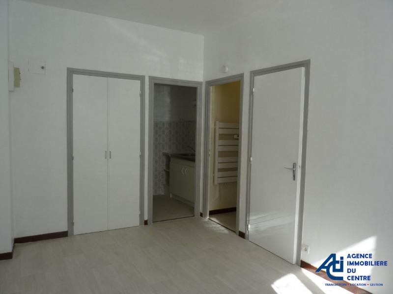 Rental apartment Pontivy 346€ CC - Picture 3