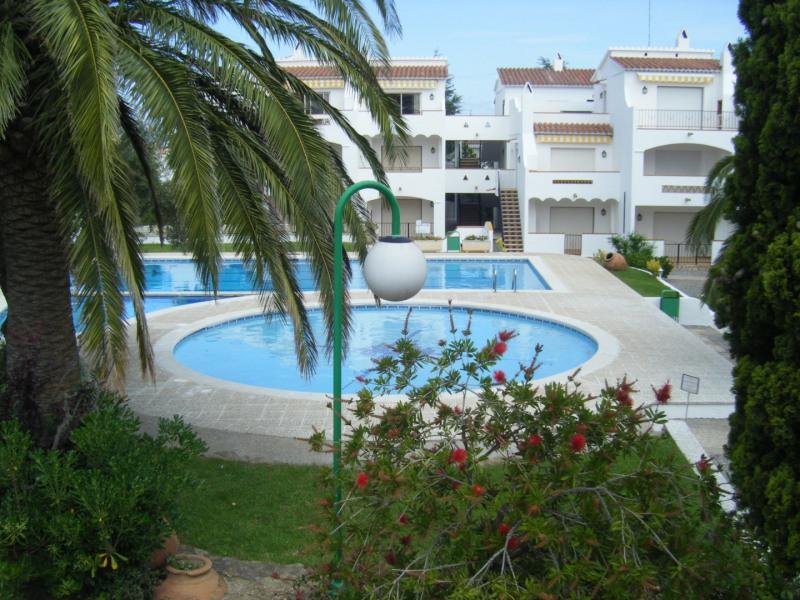 Sale apartment Rosas 92000€ - Picture 2