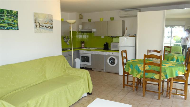 Vacation rental apartment Cavalaire sur mer 420€ - Picture 2
