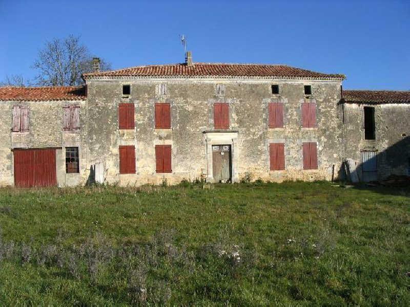 Sale house / villa Aigre 128000€ - Picture 1