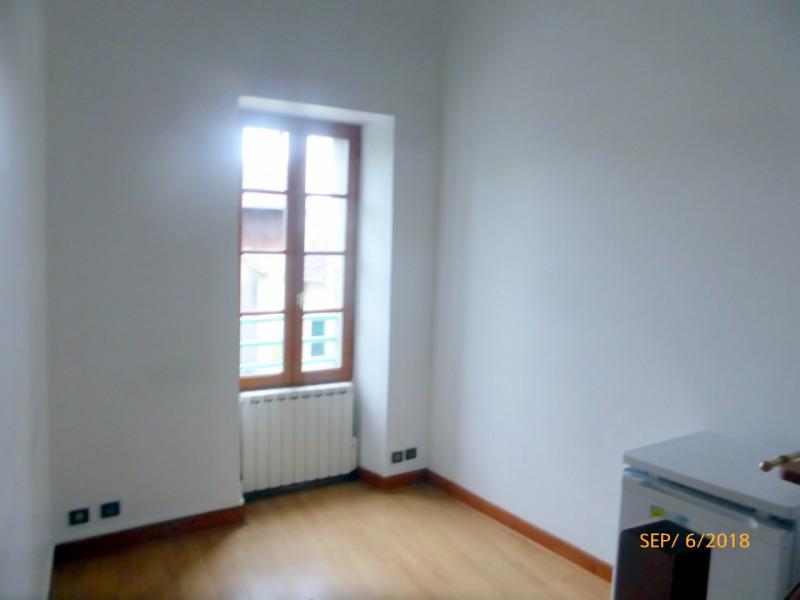 Rental apartment La ville du bois 478€ CC - Picture 2