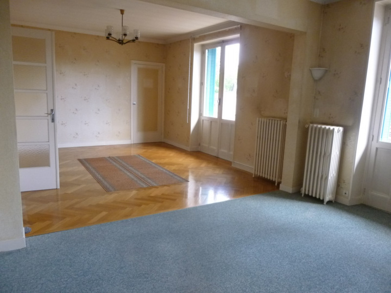 Sale apartment Lons-le-saunier 138 000€ - Picture 2