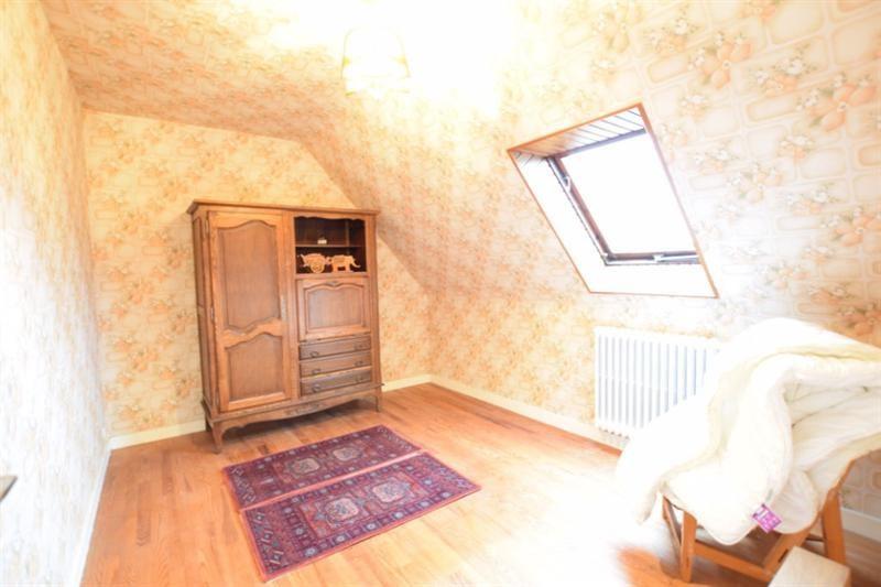 Sale house / villa Guilers 190800€ - Picture 11