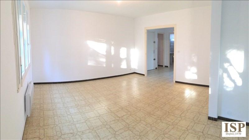 Location appartement Velaux 915€ CC - Photo 1
