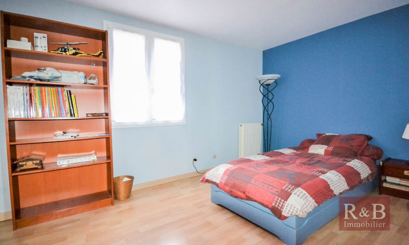 Sale house / villa Plaisir 305000€ - Picture 5