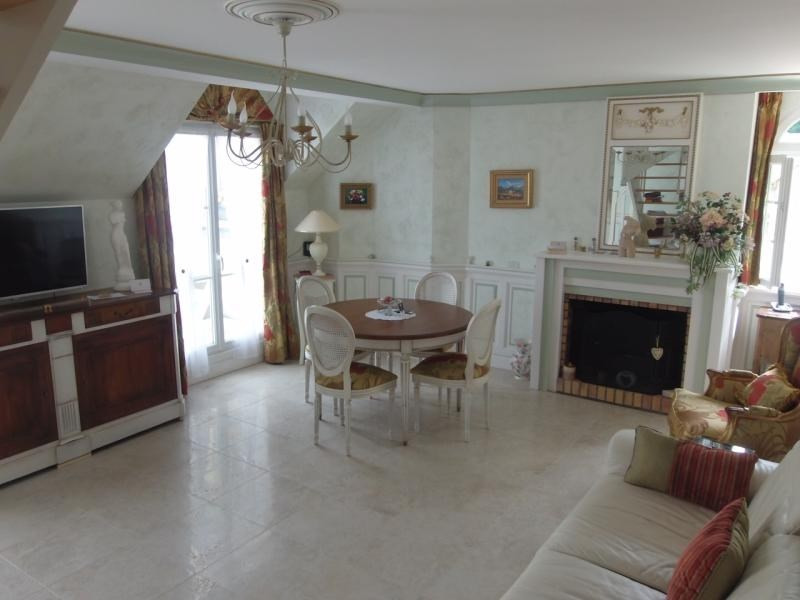 Vente de prestige appartement St benoit la foret 258 000€ - Photo 7