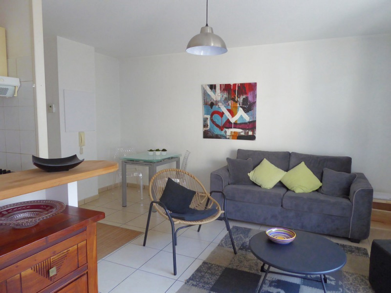 Sale apartment Saint-jean-de-luz 229 000€ - Picture 2