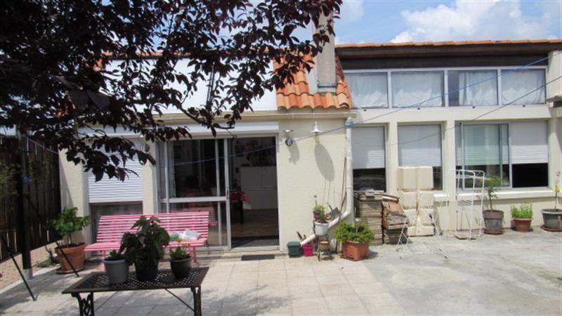 Sale house / villa Saint-hilaire-de-villefranche 185500€ - Picture 6