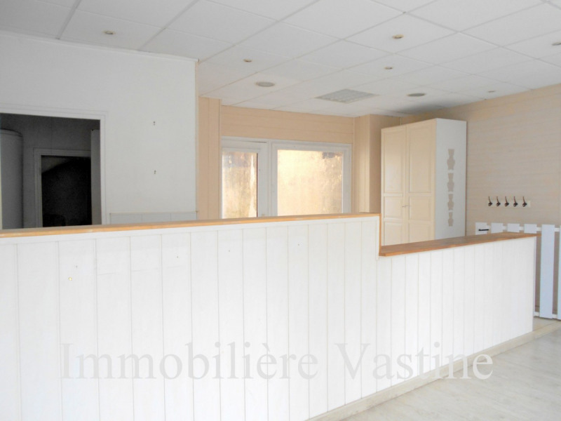 Location local commercial Senlis 750€ CC - Photo 2