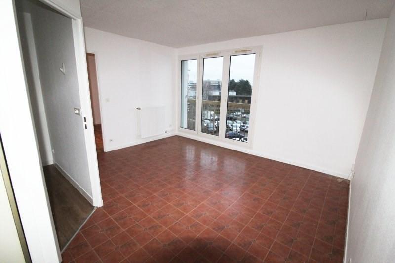 Rental apartment Maurepas 768€ CC - Picture 1