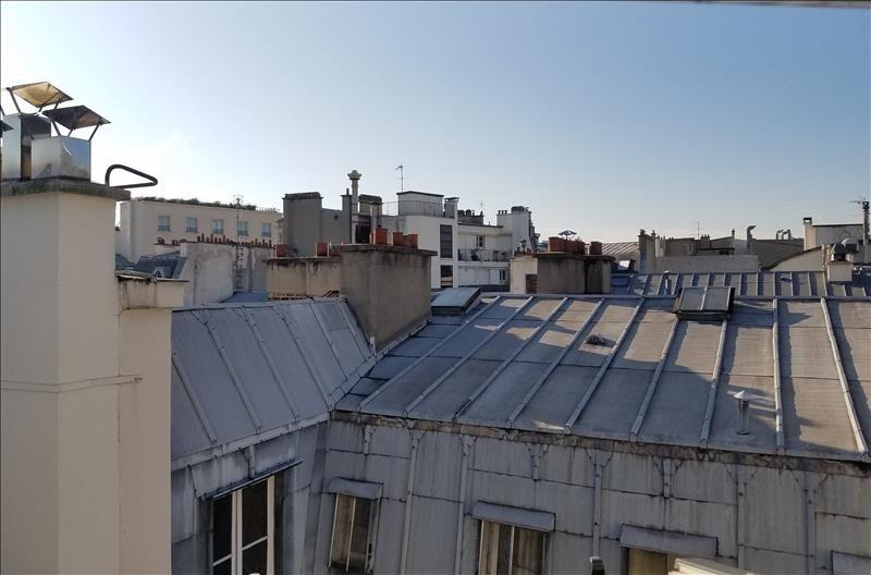 Rental apartment Paris 8ème 2440€ CC - Picture 2