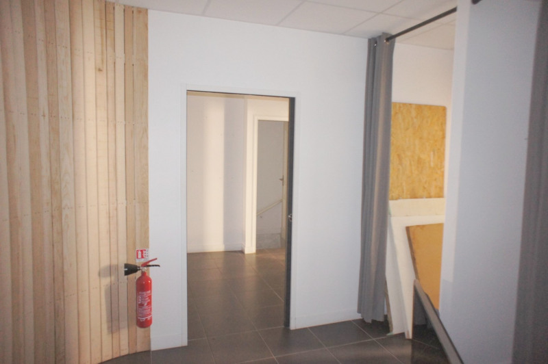Location boutique Levallois-perret 2 300€ HT/HC - Photo 12