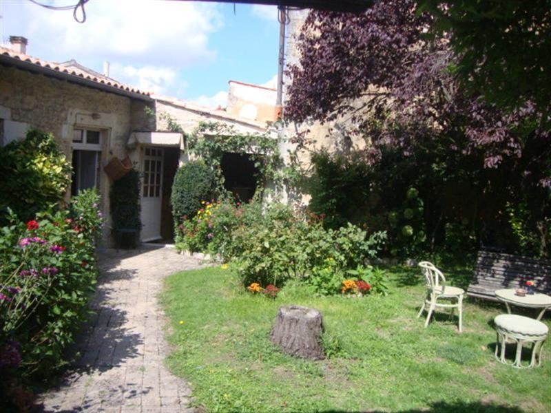 Vente maison / villa Saint-jean-d'angély 327050€ - Photo 4
