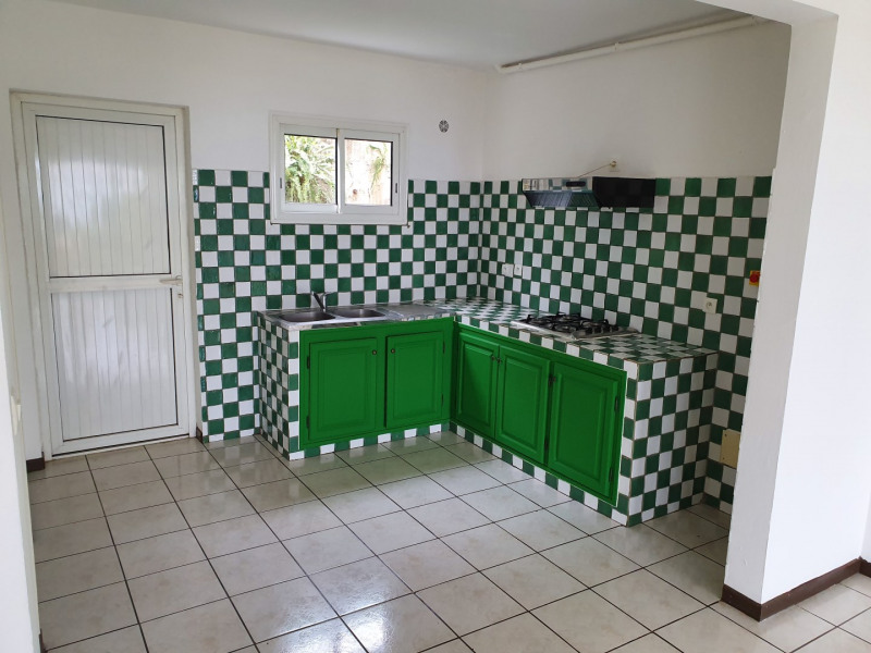 Location maison / villa Le tampon 800€ CC - Photo 3
