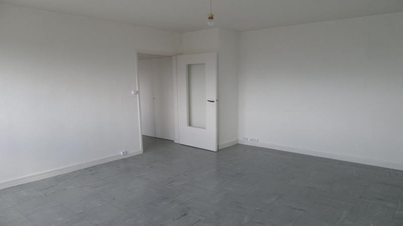 Rental apartment Troyes 376€ CC - Picture 6