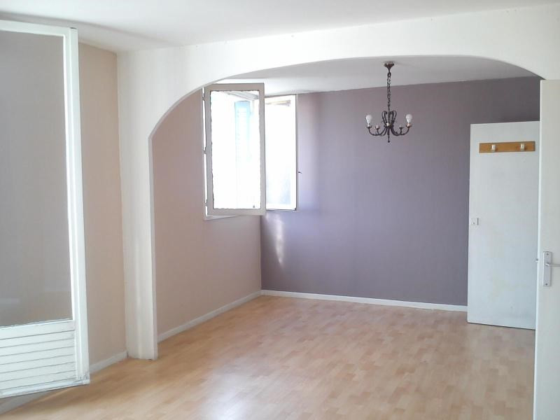 Location appartement Fontaine 540€ CC - Photo 2