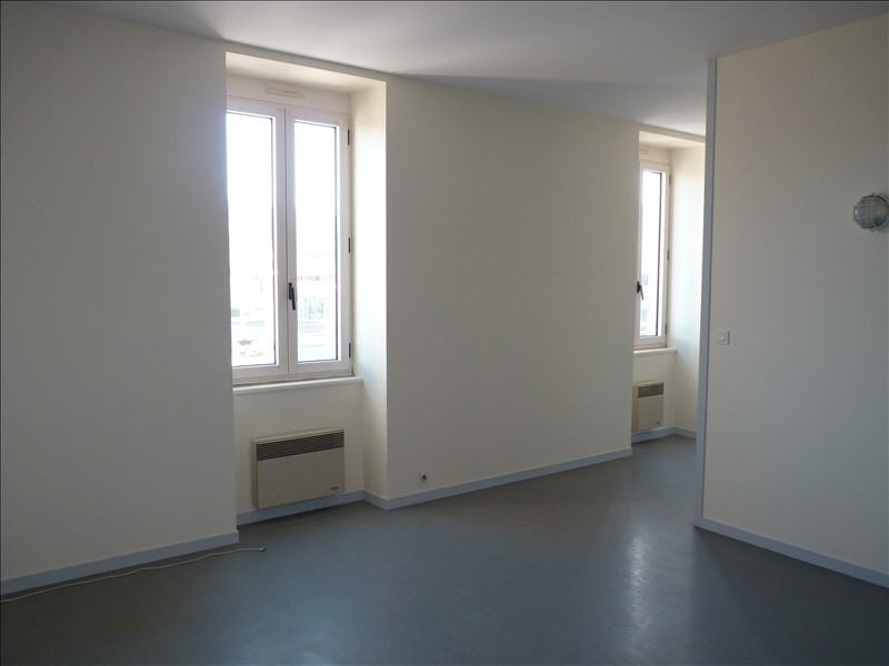 Rental apartment La roche sur yon 354€ CC - Picture 1