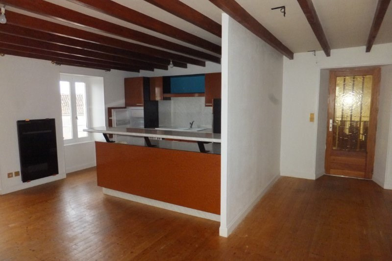 Location appartement Segonzac 408€ CC - Photo 1