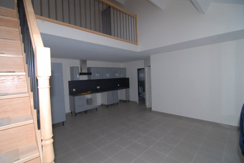 Rental apartment La ville du bois 1 250€ CC - Picture 2