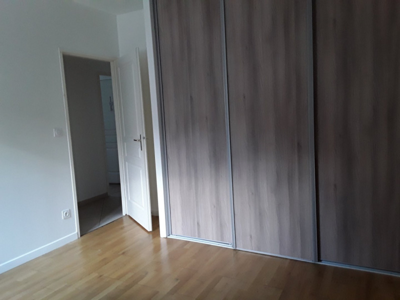 Location appartement Neyron 989€ CC - Photo 4