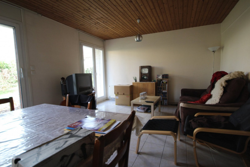 Location maison / villa La roche sur yon 722€ CC - Photo 2