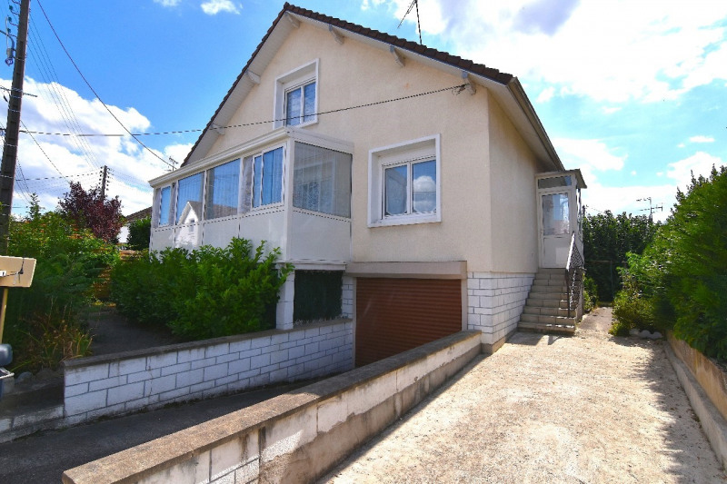 Sale house / villa Chambly 298 000€ - Picture 1