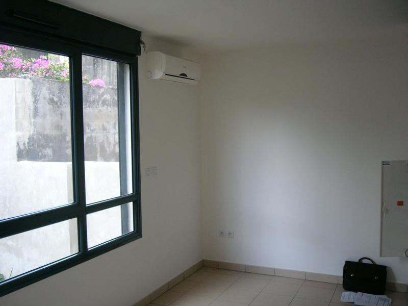 Rental apartment St denis 292€ CC - Picture 3